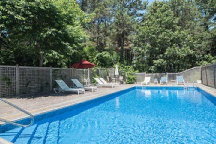 Southampton Special 3 Bed, Heated Pool, Hot tub