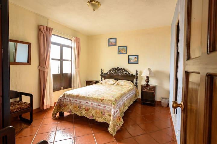 Hermosa habitación en el centro de Antigua