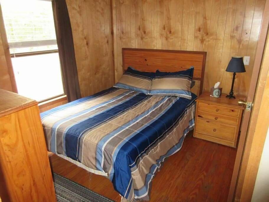 Bedroom, queen size mattress.