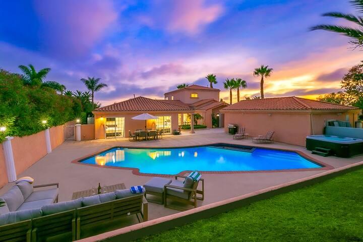 15% OFF thru 12/17 - Spacious Home w/ pool on a quiet corner lot