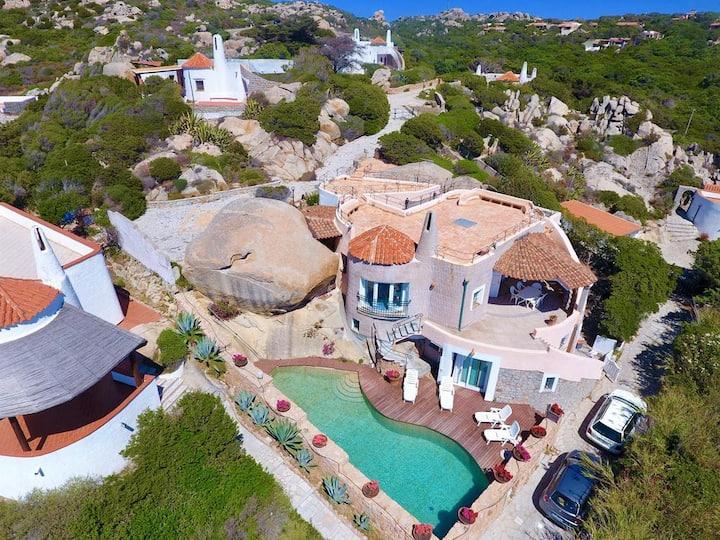 Splendida Villa con piscina a due passi dal mare
