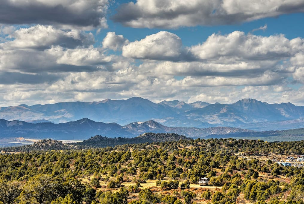 The home offers unparalleled access to thousands of acres of BLM land!