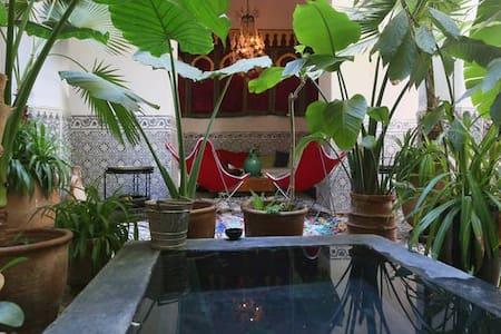 grand Riad à petit prix - Marrakesh - Bed & Breakfast