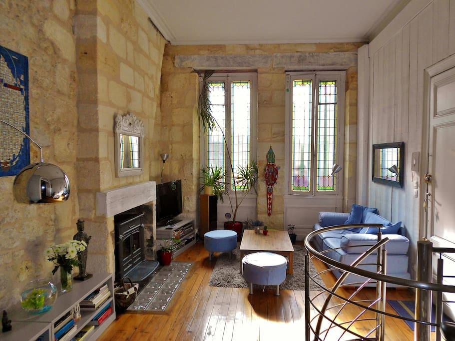 Appart hypercentre patio garage appartements louer for Bordeaux appartement a louer