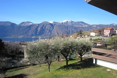 B&B Acqua Bianca - GREAT VIEW! 1st B&B Como Lake - Mandello del Lario - Bed & Breakfast