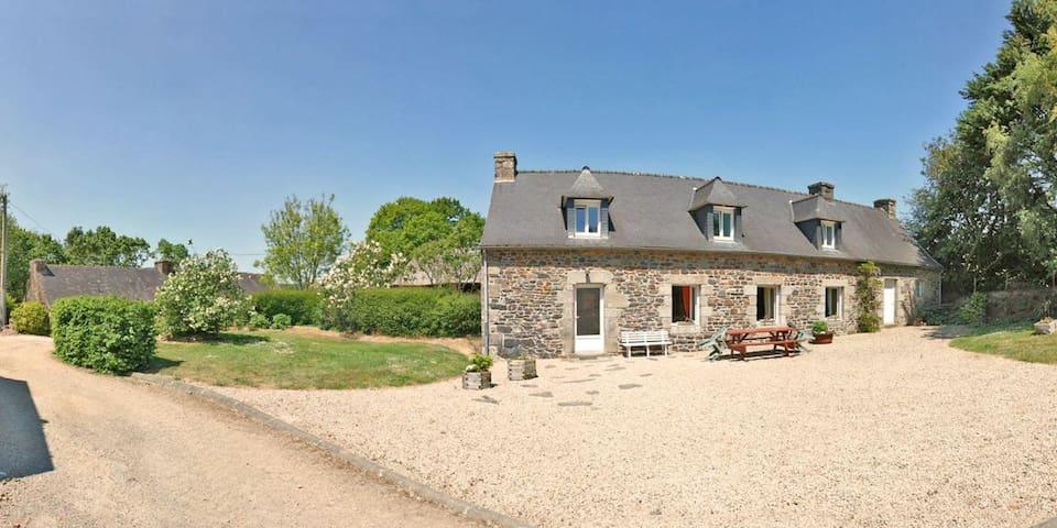 Gîte de Goasvennou - Poullaouen - Hus