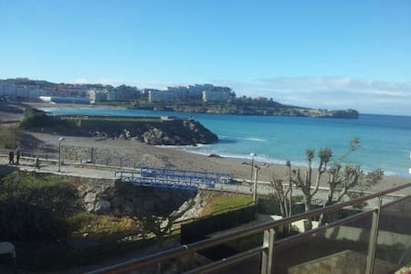 Apartment on the beach front - Castro Urdiales - Casa