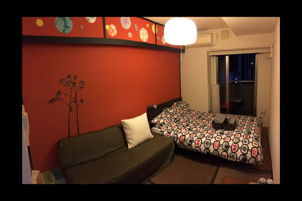 This room is Japanese style and you can experience Japanese life style. Please have a good time on Tatami.