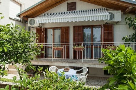 Two bedroom apartment - Selce