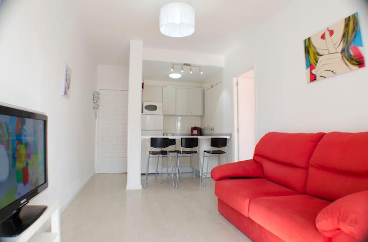 Lovely Aprt. Playa den Bossa, Ibiza - Sant Josep de sa Talaia, Platja d'en Bossa, Ibiza  - Appartement
