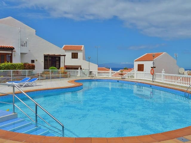 Superb house 200 meters from Puerto Colon beach - Costa Adeje - Dům