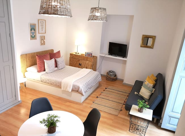 Bright, Lovely And Perfect Apartment