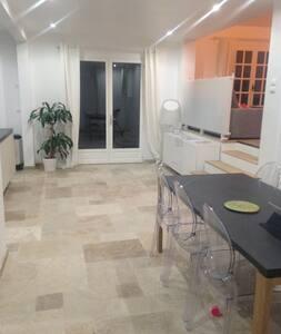 Maison rénovée proche de paris - Mennecy