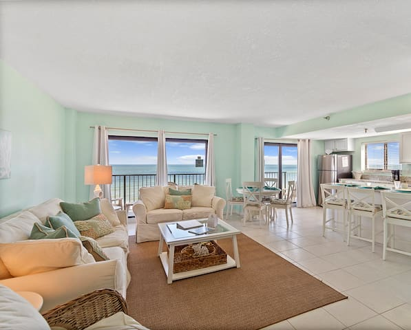 Penthouse Suite perfect for 2020 Beach Year!