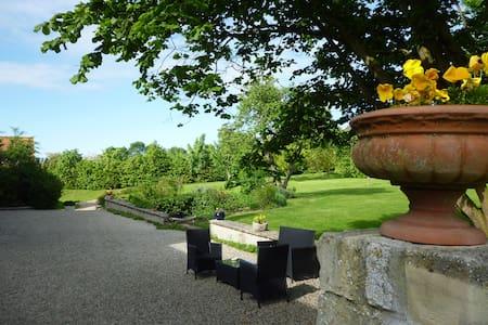 Le Clos Mayas-Calvados-Normandie - Vaux-sur-Seulles