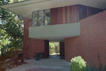 Sophisticated Guest Suite   Boulder Executive Home