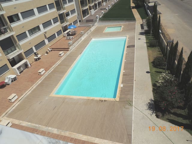 Apartment with Pool and Terrace - 15min Beach