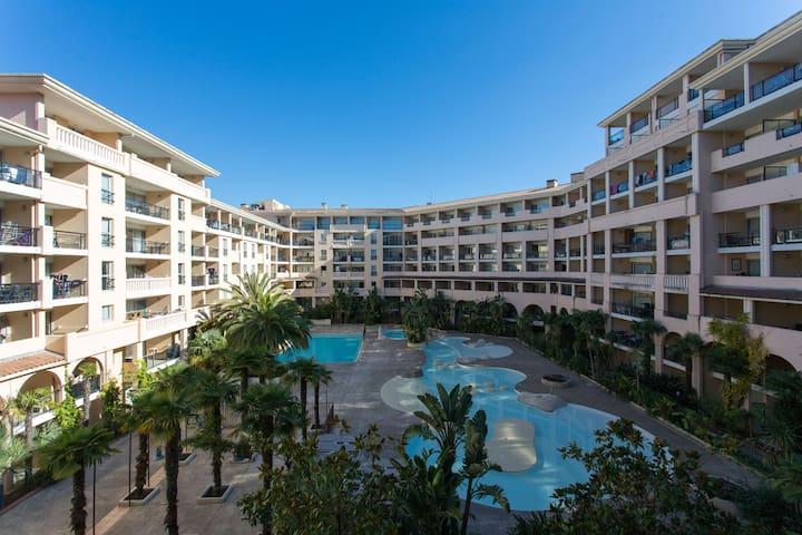 Appartement terrasse avec accès piscine & plage
