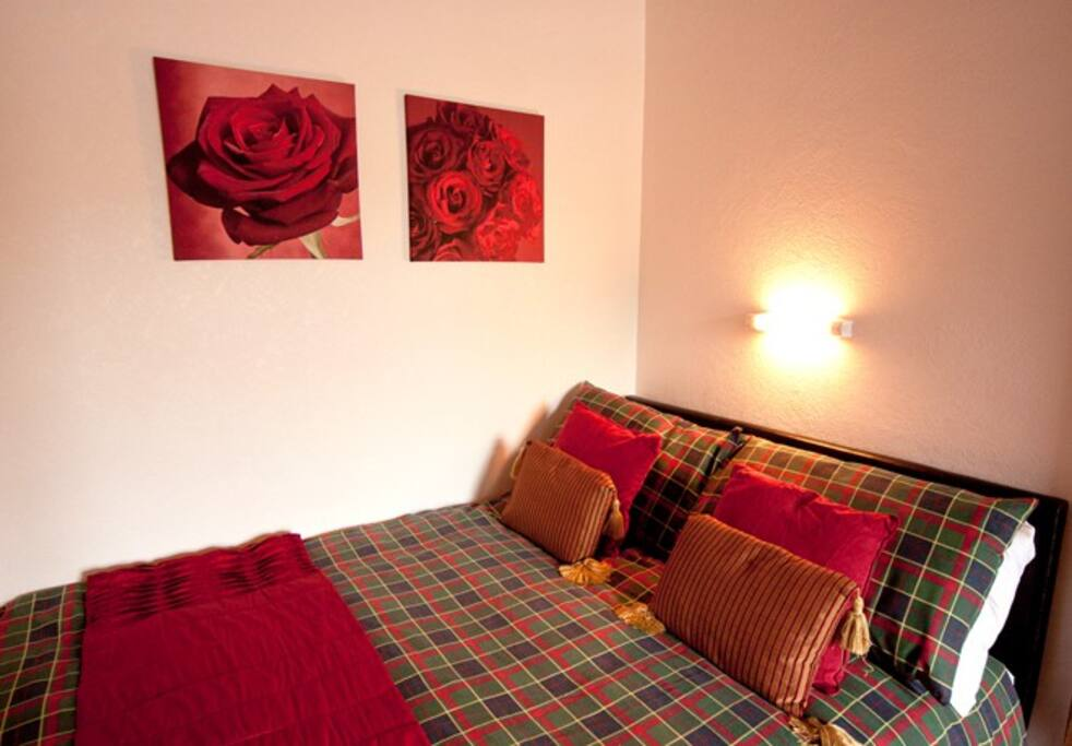 Second bedroom with views of Arthurs Seat.