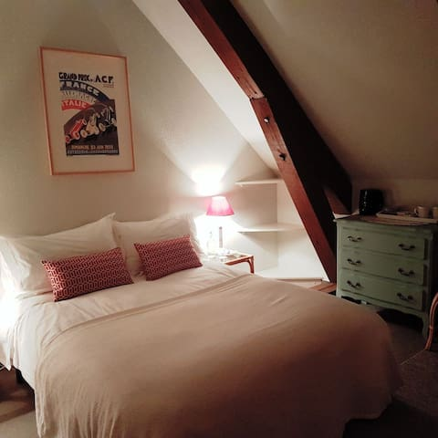 Friendly Bed and Breakfast near to Magny Cours (4)