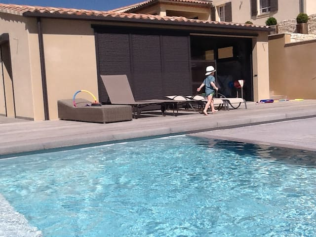 En Provence  Gîte avec piscine - Crillon-le-Brave - House