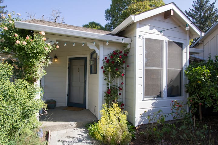 Healdsburg Cottage-Walk to Plaza - Healdsburg - Huoneisto