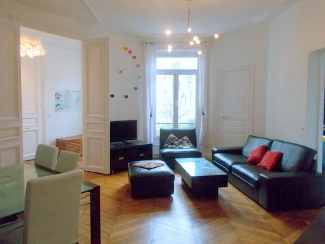 Large 94 sqm Haussmanian appartment - 3 rooms - 巴黎 - 公寓