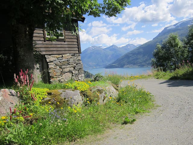 Lovely farmhouse from 1865 - Stryn - House