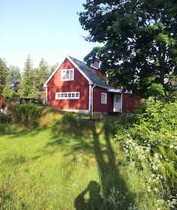 Svensk Ødegård i Skåne (NordØst) nær Lønsboda - Lönsboda - Kisház