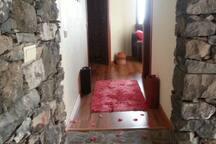 Corredor acesso aos quartos e sala