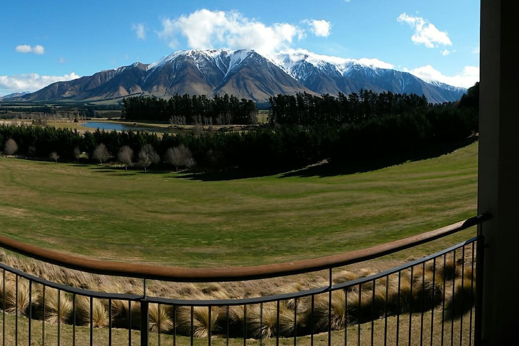 Terrace downs rakaia villas apartments for rent in for Terrace downs