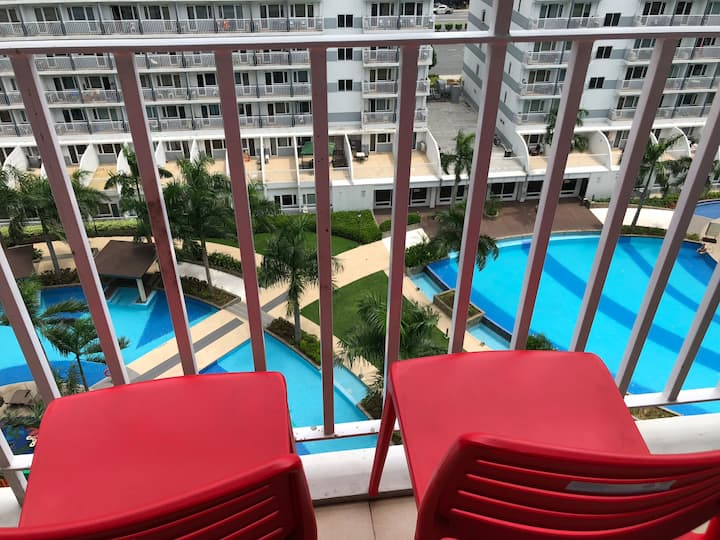 Lovely Unit with Balcony @ Shell Residences