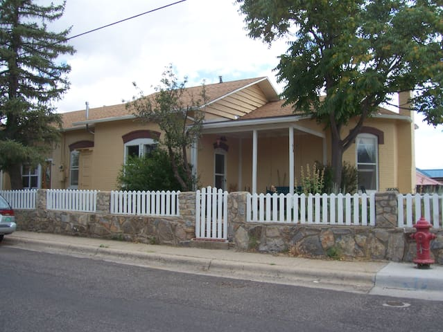 Suite in House in Historic District - Silver City - Casa