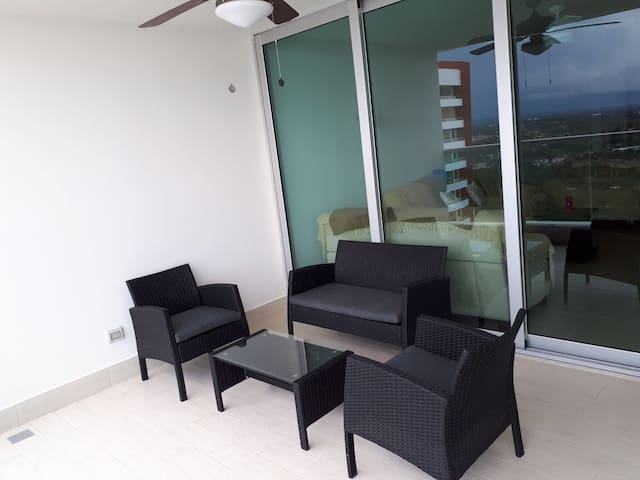 Exclusivo apartamento de playa en Bahía.