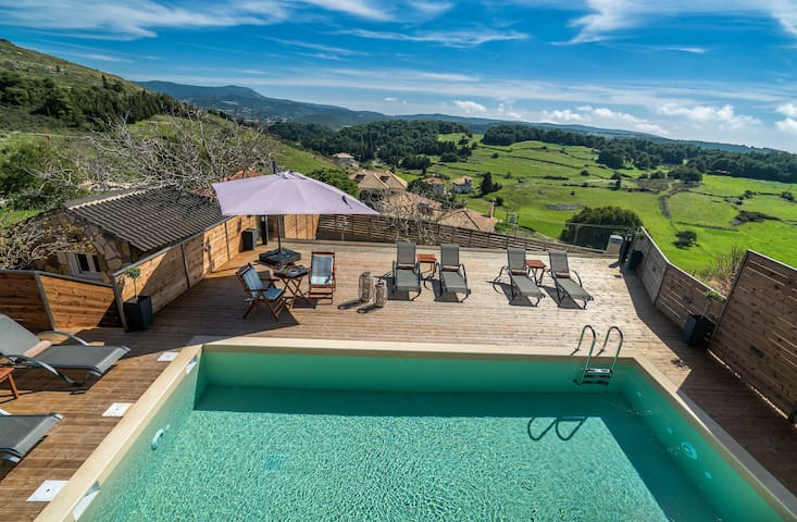 Tramonto 4 Bedroom Villa with Private Pool