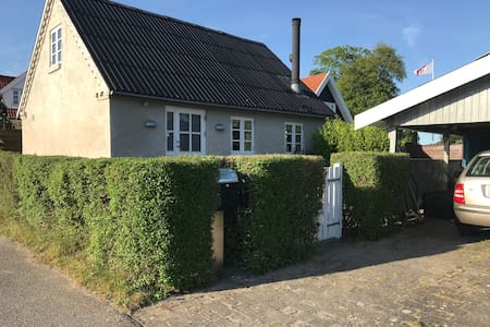 Idyllisk landsbyhus