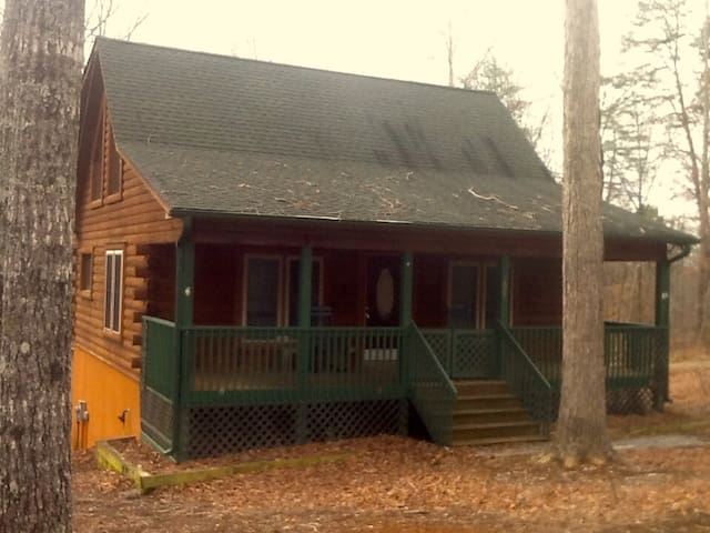 Mountain cabin in gated community - Rutherfordton