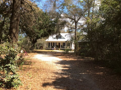 Private Lowcountry Get-A-Way