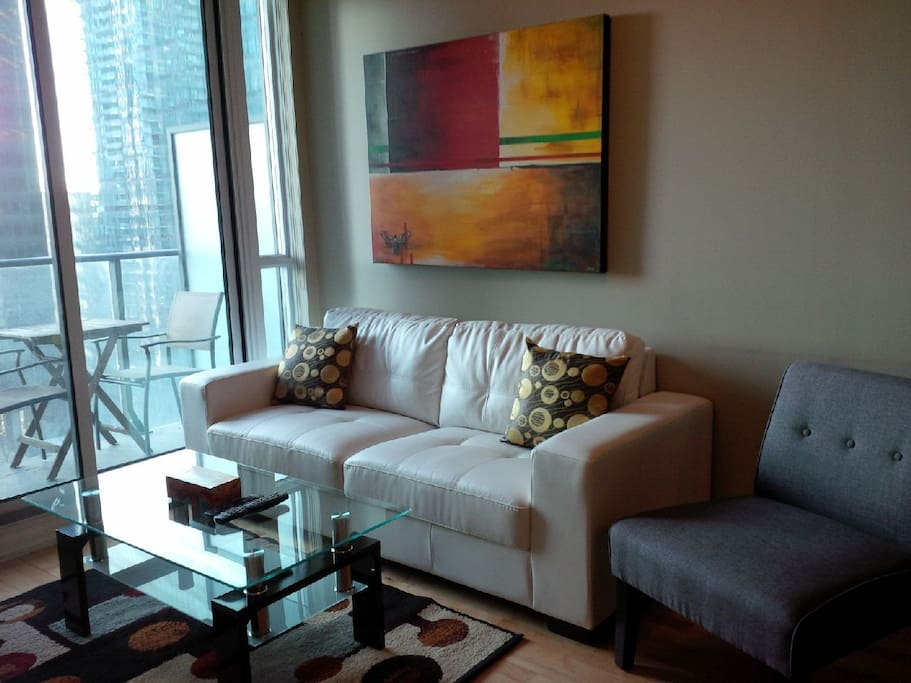 downtown 2 bedroom next to harbour apartments for rent in toronto