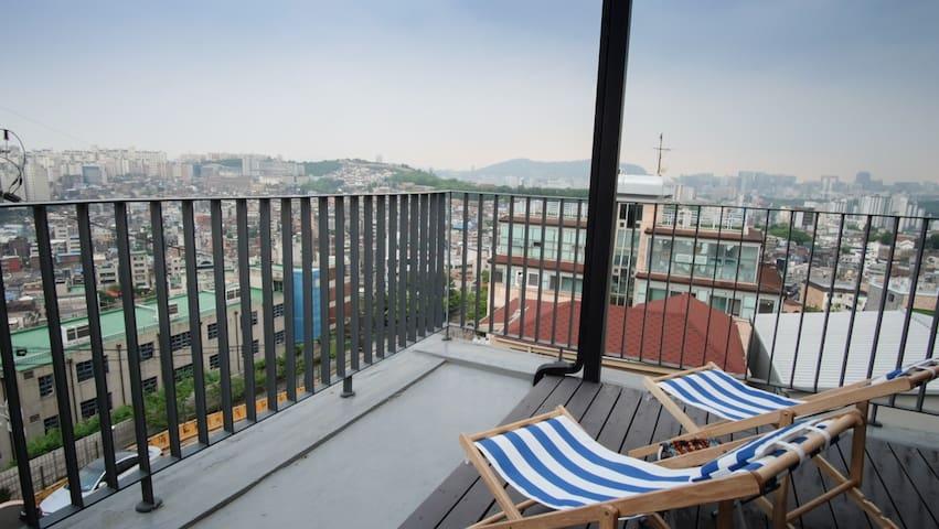 Rooftop studio Seongbuk