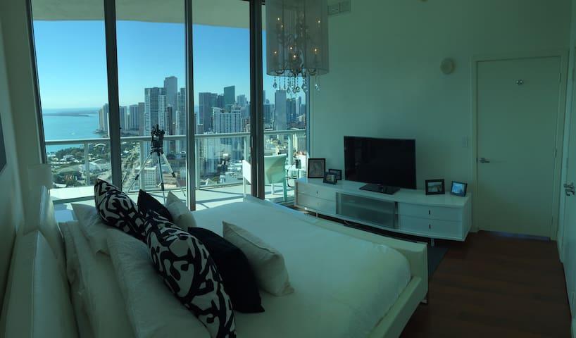 Miami High End Apartment Top Floor