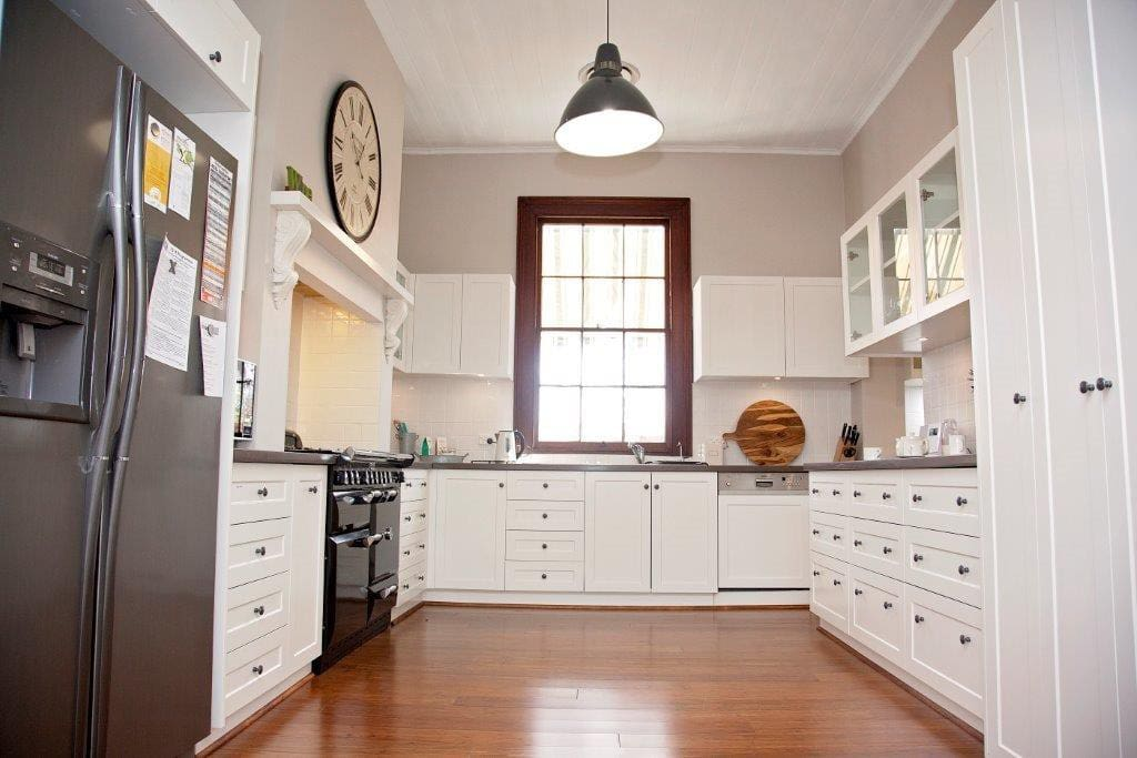 Fully equipped gourmet kitchen - a chef's delight