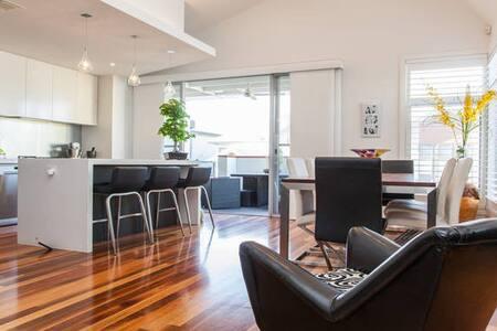 Luxury 4BR House in Williamstown - Williamstown - Casa