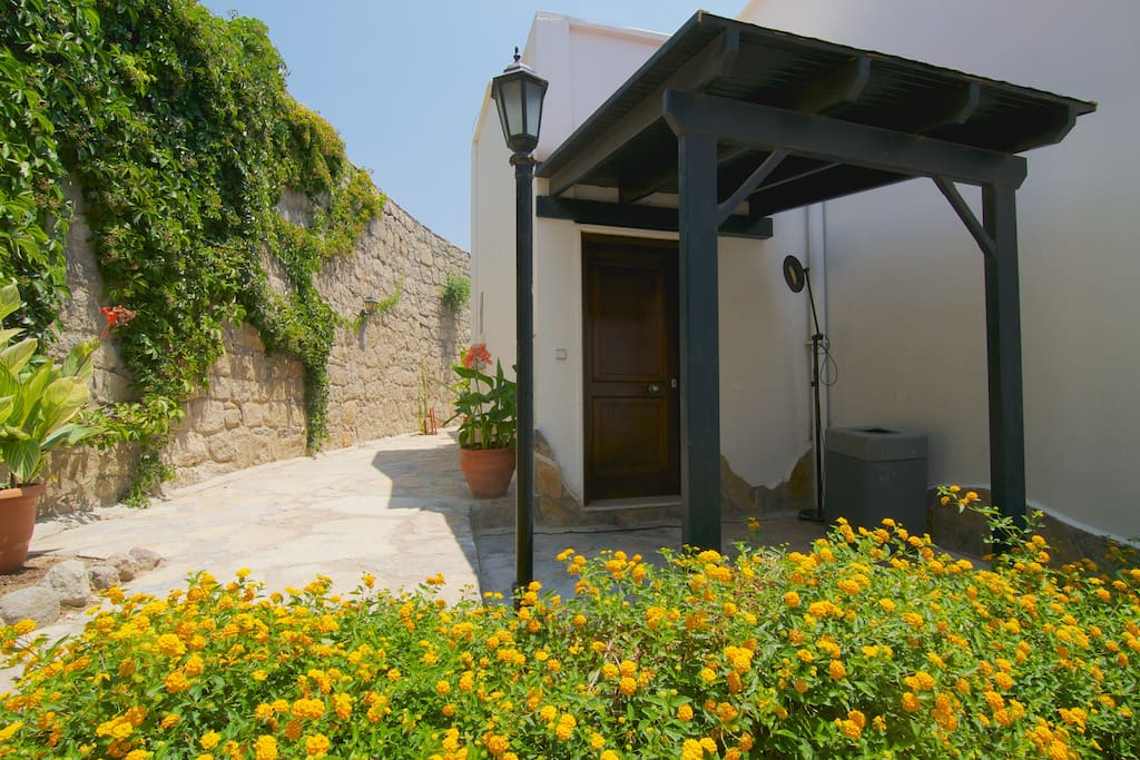 VILLA WITH PANORAMIC AEGEANSEA VIEW