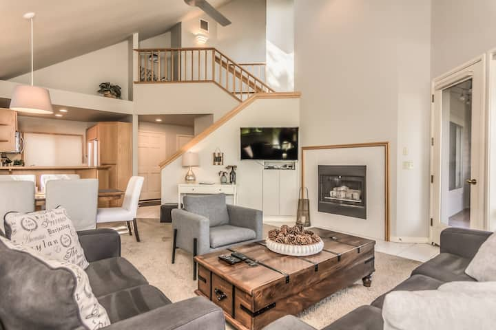 Spacious two story 2 bed 2 bath west side condo
