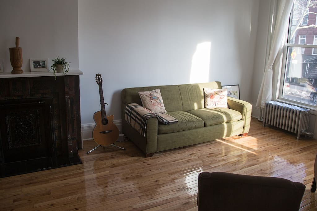 Sun-flooded living room with Eco Sofa-bed