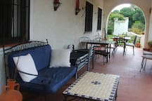 Lounge but to the garden and pool Relaxation Group, extra sunbeds and 2 diningtabes