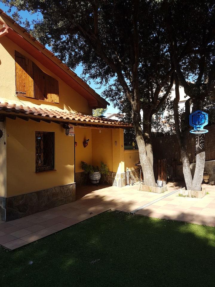 Habitacion en casa unifamiliar a 13km de Barcelona