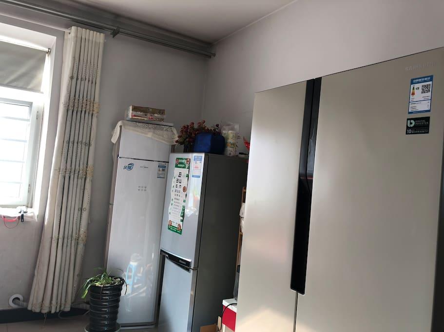 冰箱空调系统齐全。