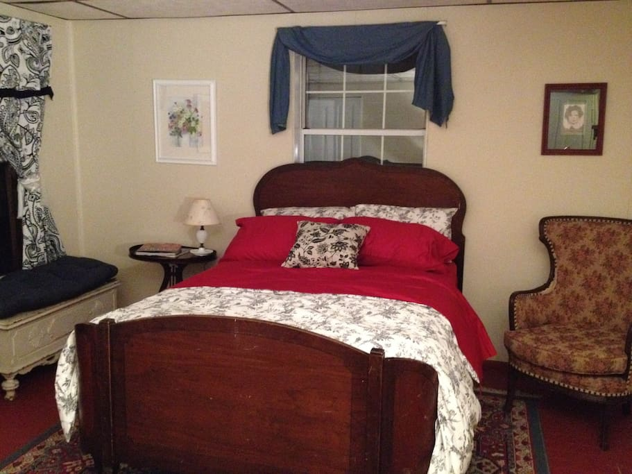 Private Suite Within Polish Hill Home Guest Suites For Rent In Pittsburgh Pennsylvania